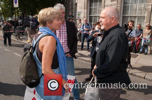 Emma Thompson and  peter Gabriel 7