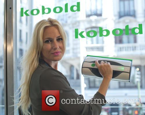 carolina cerezuela spanish actress carolina cerezuela presents 39 kobold vg100 39 9 pictures. Black Bedroom Furniture Sets. Home Design Ideas
