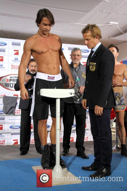 'Das grosse Pro Sieben Promiboxen 2014' weigh-in and...