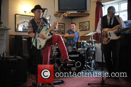 The Robin Bibi Band 4