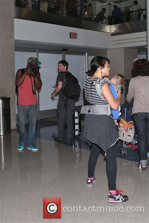 Norah Jones with her baby at LAX