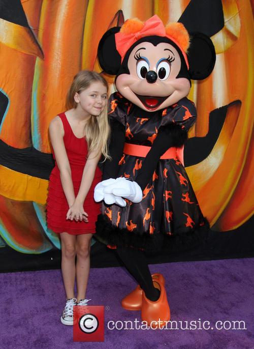 Kylie Rogers and Minnie Mouse 5