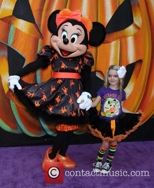 Mckenna Grace and Minnie Mouse 4