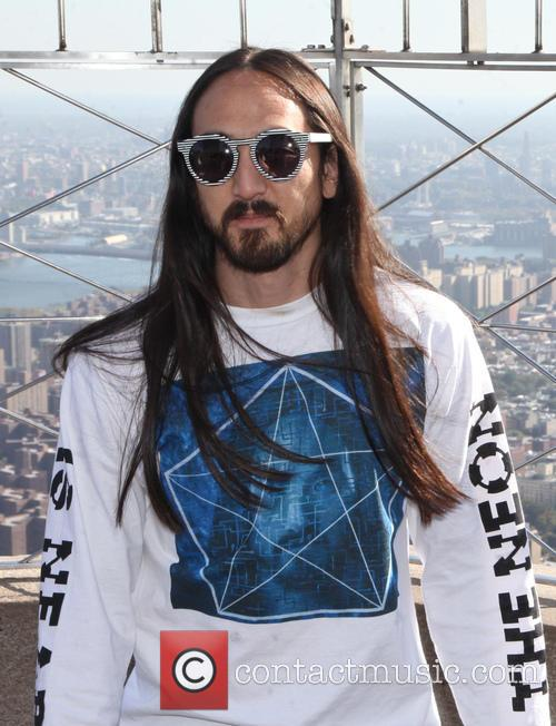DJ Steve Aoki at the Empire state Building...