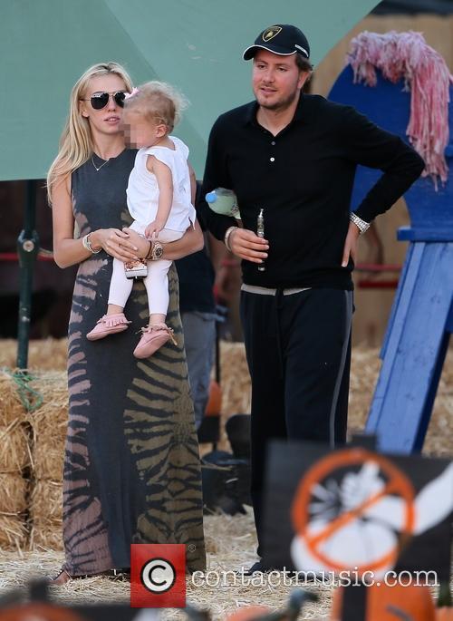 Petra Ecclestone, James Stunt and Lavinia Stunt 8