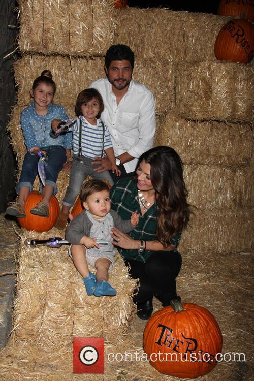 Ali Landry and Family 5