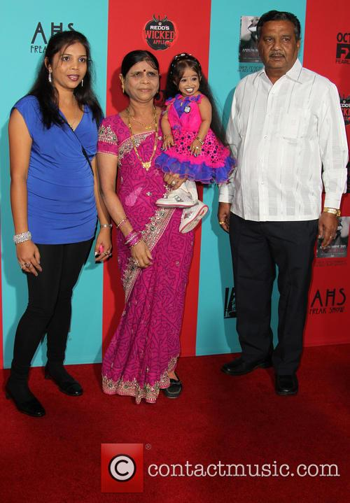 Jyoti Amge and Family 3