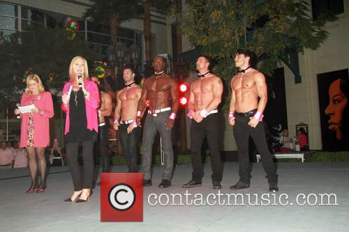 Olivia Newton-john and Chippendales 2