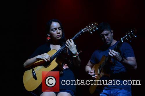 (r-l)rodrigo Y Gabriela 2