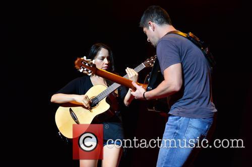 (r-l)rodrigo Y Gabriela 4