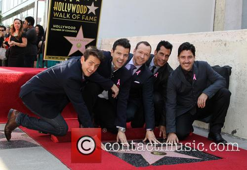 Joey Mcintyre, Jordan Knight, Donnie Wahlberg, Danny Wood and Jonathan Knight 1