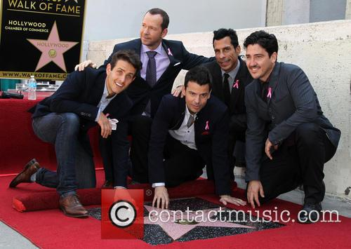 Joey Mcintyre, Jordan Knight, Donnie Wahlberg, Danny Wood and Jonathan Knight 9