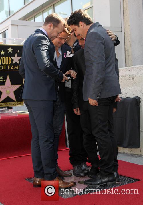 Joey Mcintyre, Jordan Knight, Donnie Wahlberg, Danny Wood and Jonathan Knight 11