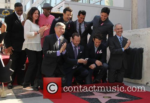 Maurice Starr, Arsenio Hall, Leron Gubler, Donnie Wahlberg, Joey Mcintyre, Danny Wood, Jordan Knight and Jonathan Knight 2