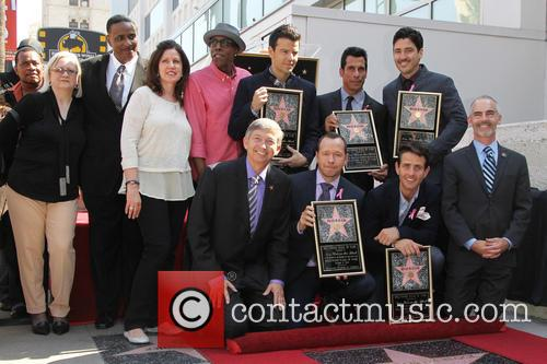 Donnie Wahlberg, Arsenio Hall, Leron Gubler, Maurice Starr, Joey Mcintyre, Danny Wood, Jordan Knight and Jonathan Knight