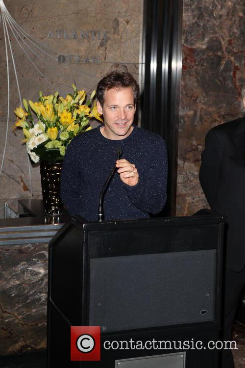 Peter Sarsgaard lights up The Empire State Building