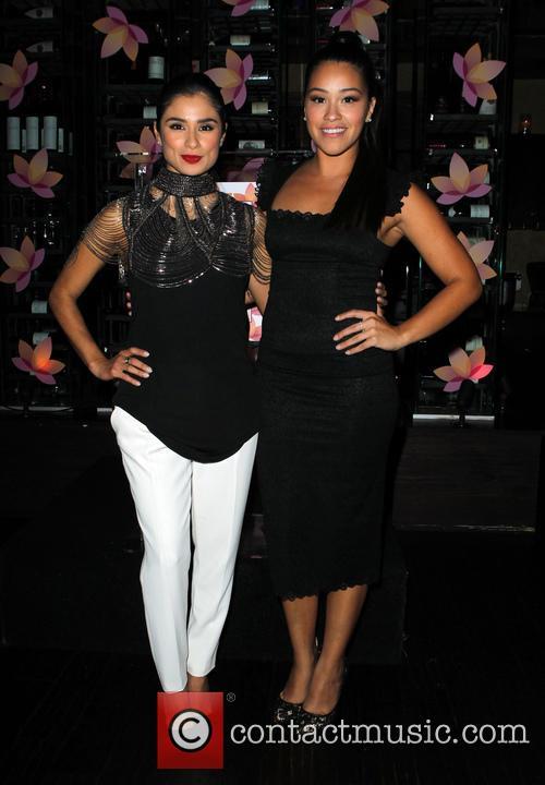 Diane Guerrero and Gina Rodriguez 3