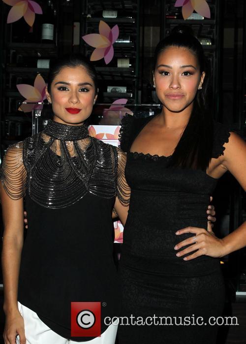Diane Guerrero and Gina Rodriguez 4