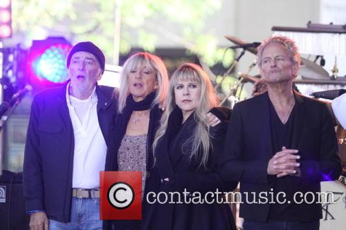 Stevie Nicks, John Mcvie, Christine Mcvie, Lindsay Buckingham and Mick Fleetwood 8