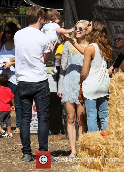 Jessica Alba and Jamie King bump into each...