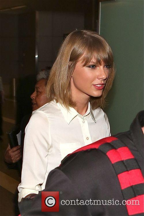 Taylor Swift at Los Angeles International Airport (LAX)