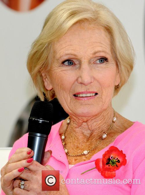 Mary Berry at the Bakes andCakes Show
