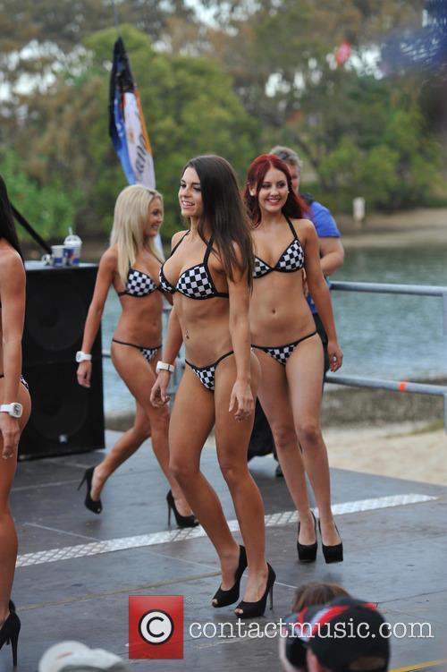 2014 Miss V8 Supercar Bikini Competition