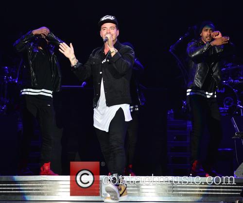 Enrique Iglesias, J Balvin and Pitbull 7