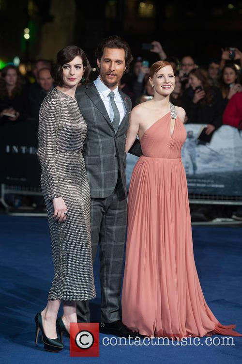 Matthew Mcconaughey, Jessica Chastain and Anne Hathaway 9