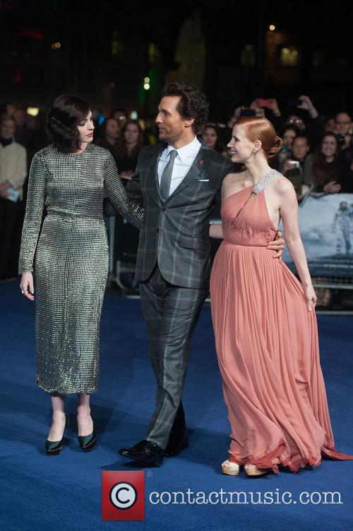 Matthew Mcconaughey, Jessica Chastain and Anne Hathaway 10