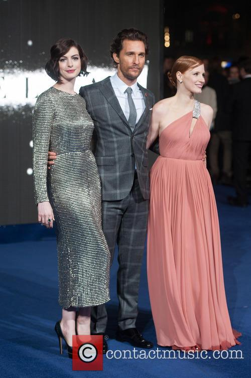 Matthew Mcconaughey, Jessica Chastain and Anne Hathaway 11
