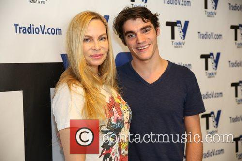 RJ Mitte stops by Christina Fulton's TRadioV show...