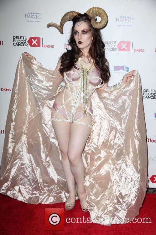 Burlesque Dancer 4