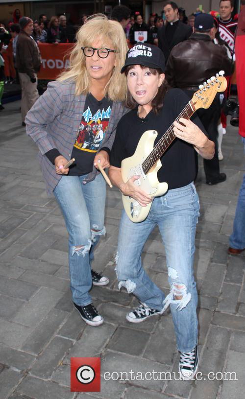 Hoda Kotb and Kathie Lee Gifford 4