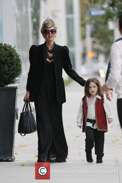 Rachel Zoe and family out shopping on Halloween