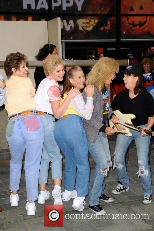Savannah Guthrie, Jenna Bush Hager, Meredith Vieira, Hoda Kotb and Kathie Lee Gifford 1
