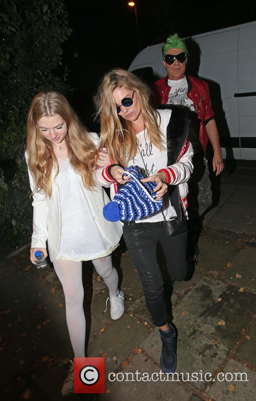 Kate Moss, Lila Grace Moss and Jamie Hince 10