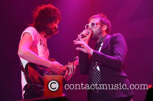 Sergio Pizzorno and Tom Meighan 7