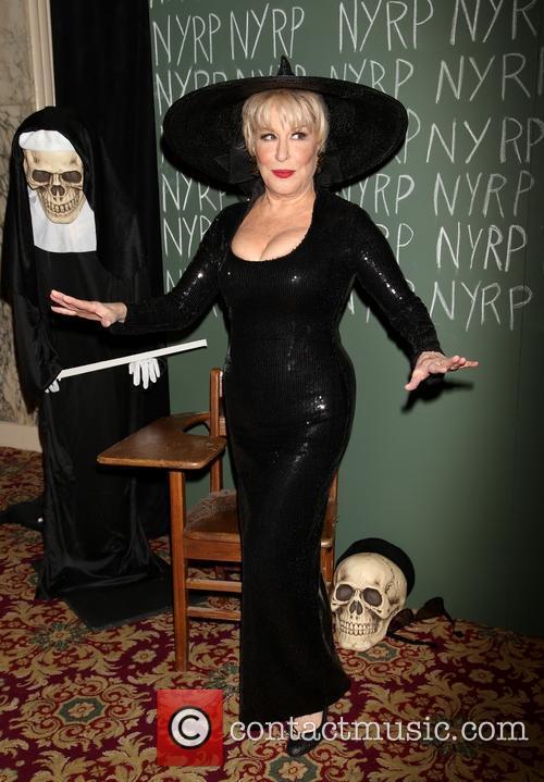 Nun Skeleton Bette Midler  Nyrp Hulaween Arrivals