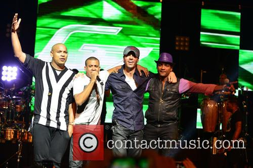 Gente De Zona, Enrique Iglesias and Descemer Bueno 7