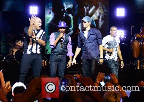 Gente De Zona, Enrique Iglesias and Descemer Bueno 8