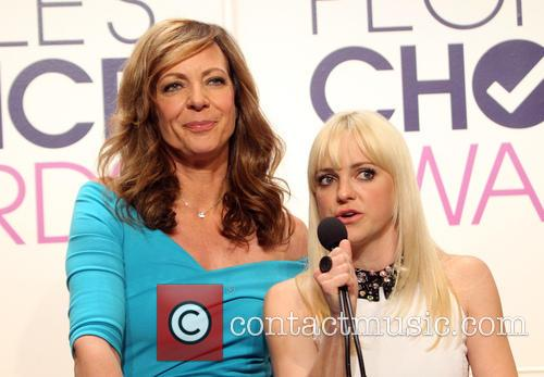 Allison Janney and Anna Faris 6