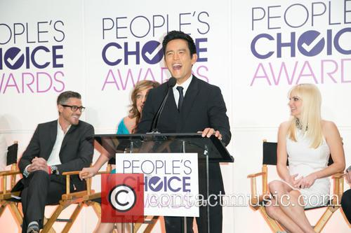 Dave Annable, Allison Janney, John Cho and Anna Faris 1