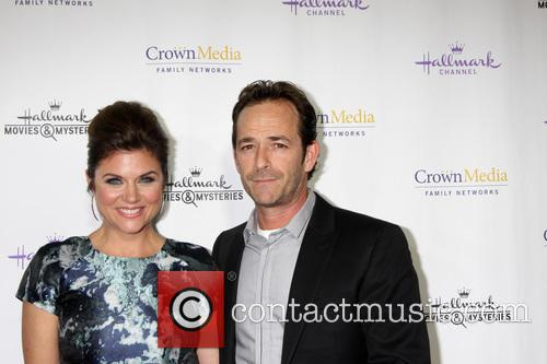 Tiffani Thiessen and Luke Perry 9