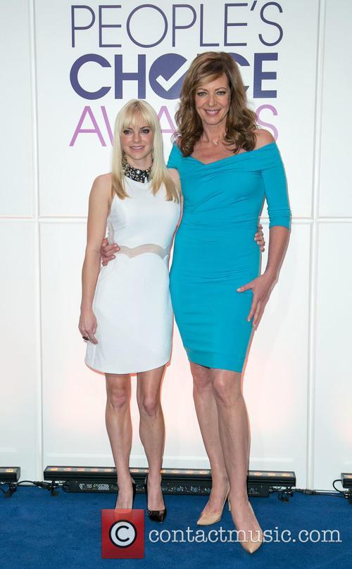 Anna Faris and Allison Janney 6
