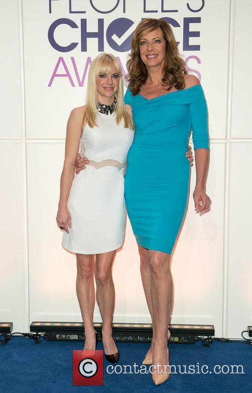 Anna Faris and Allison Janney 7