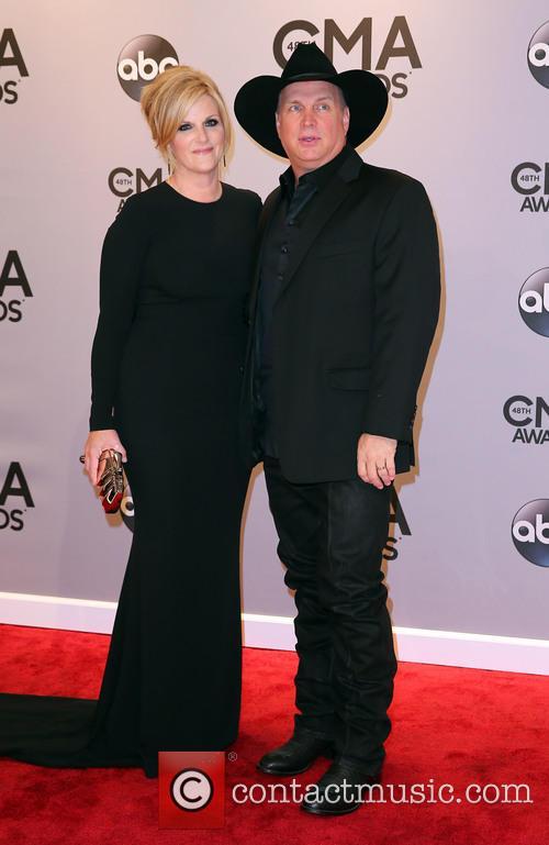 Trisha Yearwood and Garth Brooks 6