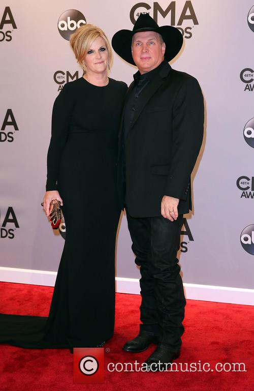 Trisha Yearwood and Garth Brooks 5