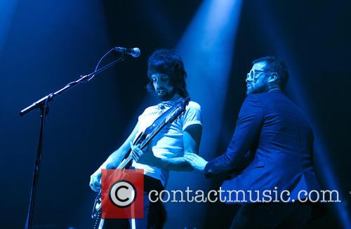 Tom Meighan and Sergio Pizzorno 8