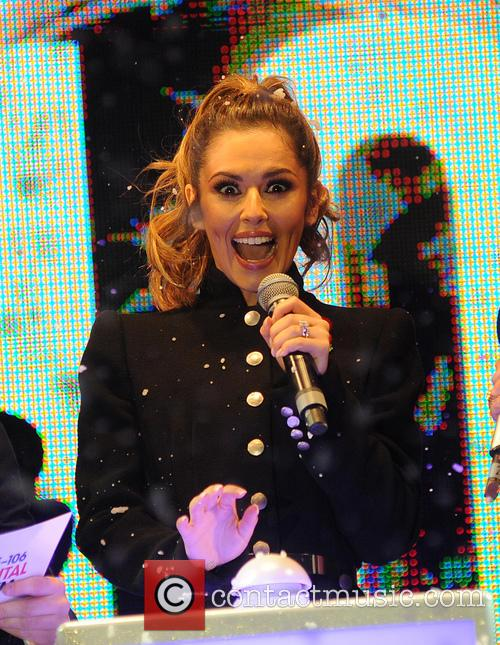 Cheryl Fernandez Versini switches on Xmas lights